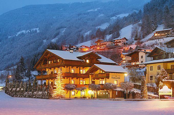 Wunderschön verschneite Ansicht von unserer Apartment Villa Haidacher