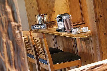 """Großflächiger und schön eingerichteter Wohnraum """"Roof Lodge"""""""